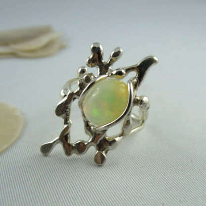 Bague opale noble d'Éthiopie sertie sur argent 925 - Lakota