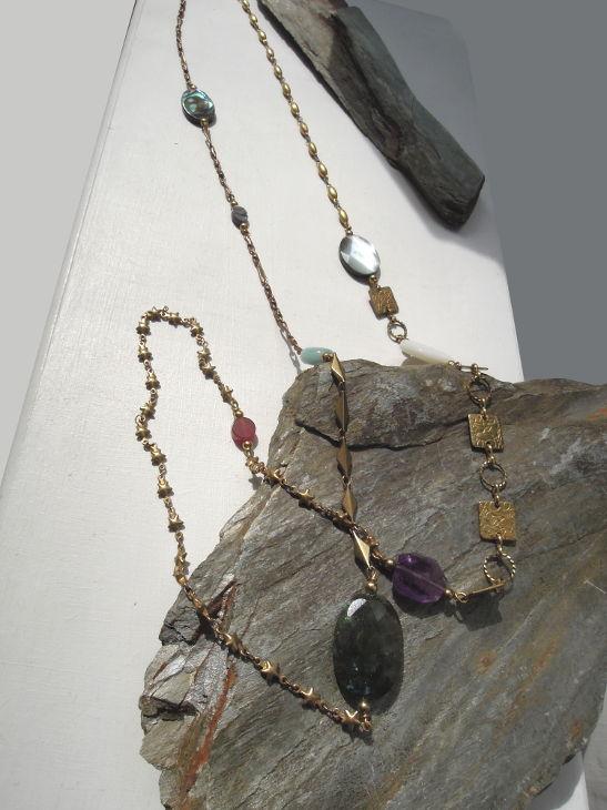 Sautoir Alyson - Diverses pierres sur laiton