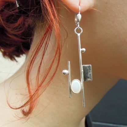 Boucles d'oreille nacre blanche sertie sur argent 925/1000 - Collection Mondrian